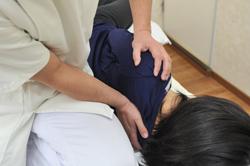 首・肩の痛み治療